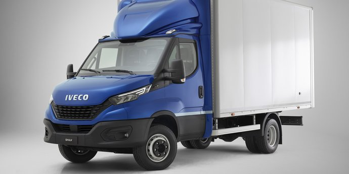 IVECO Daily Fahrgestell mit Koffer